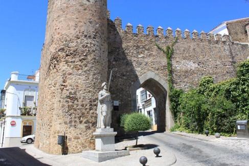 Jerez de los Caballeros – Arco de Burgos
